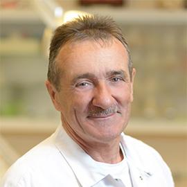 Dr. Gróf Ágoston